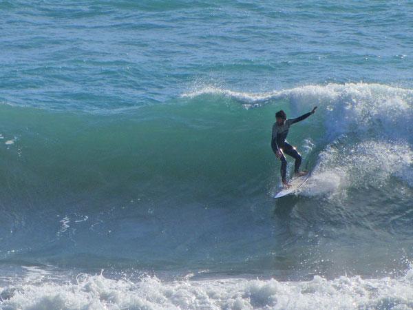 Surfen Levanto Italien grosse Wellen